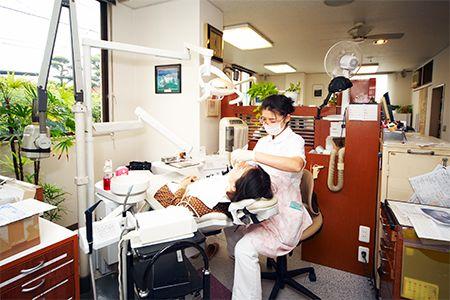 武石歯科医院診察室画像01